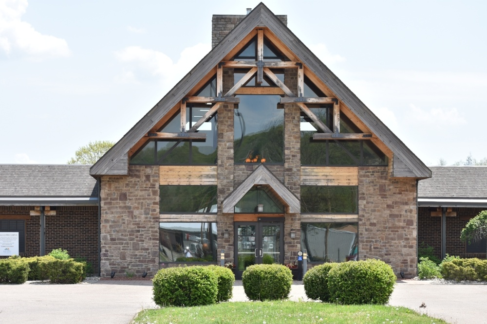 The Lodge at Hocking College | Exterior