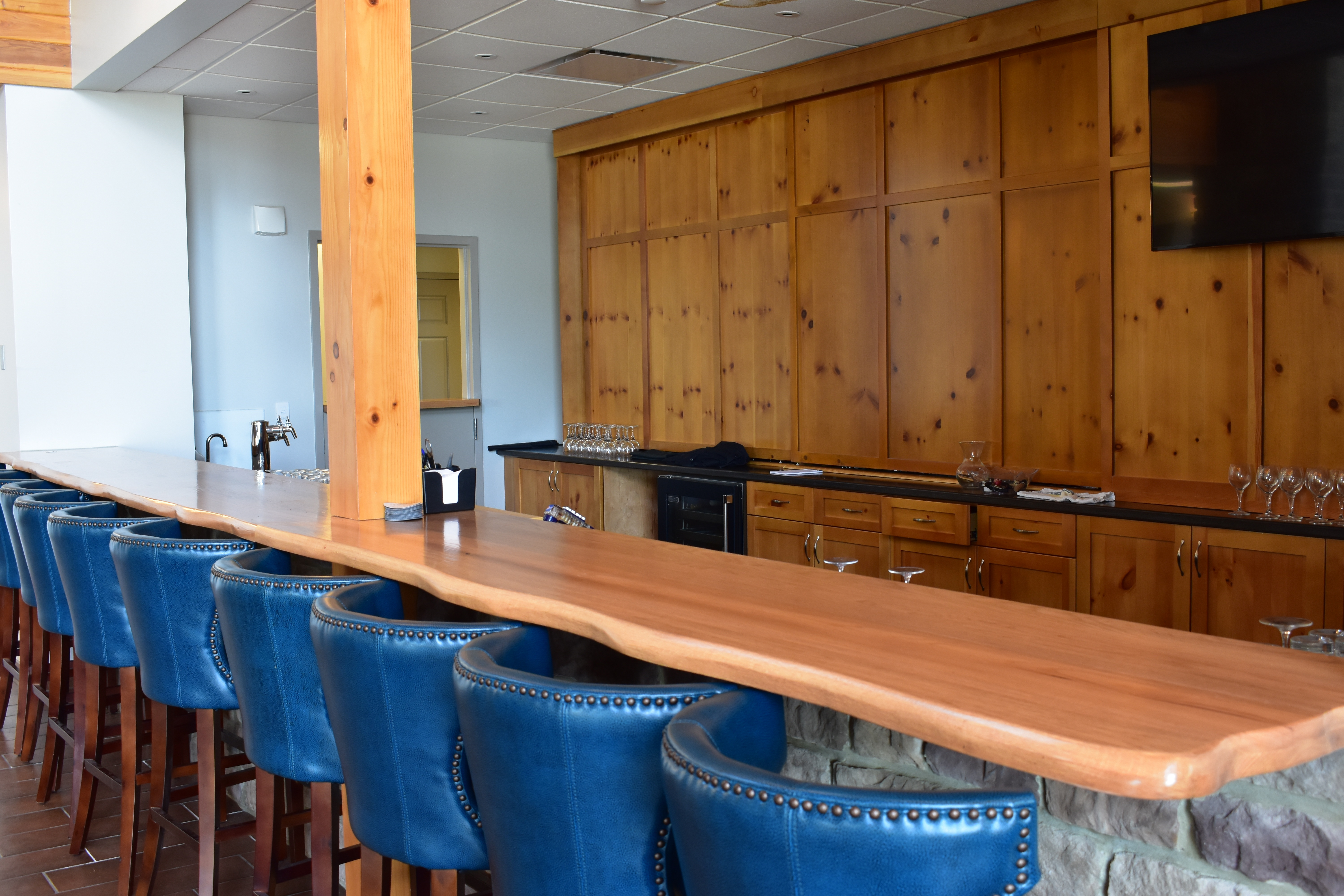 The Lodge at Hocking College | Bar